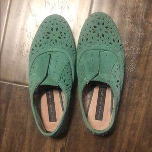 Steve Madden green flat shoes